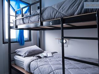 Zee Thai Hostel Room 4 Khaosan Bangkok bunkbed for 6 pax