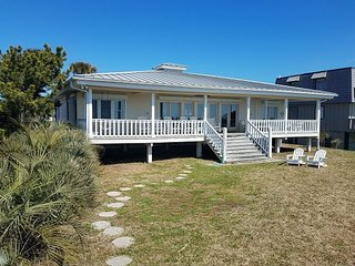 Oceanfront 5BR w/ Deck & Direct Beach Access - Near Dining, Shopping & Golf