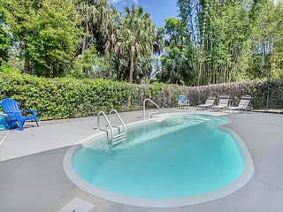 4BR, 2BA Airy Duplex & Heated Pool - Surrounded by America's Best Beaches