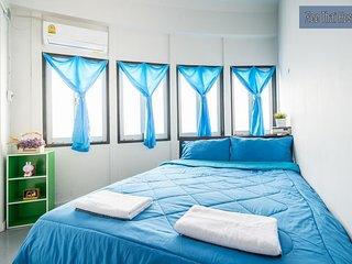 Zee Thai Hostel Room 12 Khaosan Bangkok
