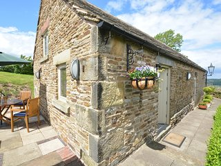 52026 Barn situated in Baslow (5.3 mls E)