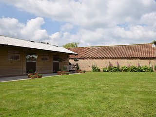 40839 Barn situated in Alford (6mls N)