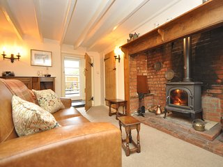 55177 Cottage situated in Evesham (3.5mls E)