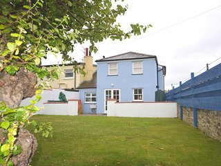 52902 House situated in Aberaeron