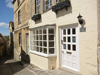 31970 Cottage situated in Bradford-on-Avon