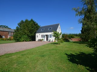 46368 Cottage situated in Exeter (6.5mls NE)