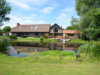 44959 Barn situated in Bury St Edmunds (11mls SW)