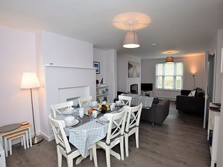 52589 Cottage situated in Lymington (3mls SW)