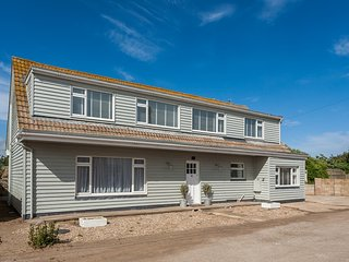 46946 House situated in Camber
