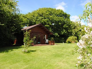 BRILO Log Cabin situated in Lostwithiel (2.5mls N)