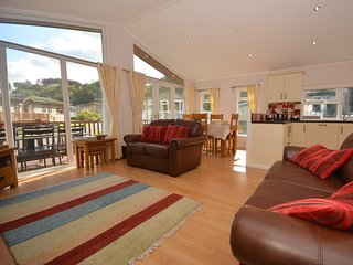 53778 Bungalow situated in Saundersfoot (1.5mls N)