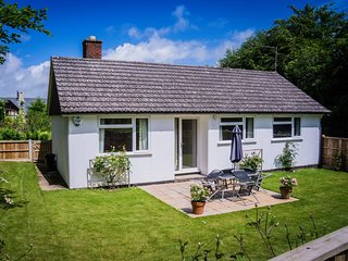 50033 Bungalow situated in Charmouth (3mls NW)