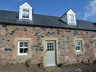 57859 Cottage situated in Kelso (5mls SW)