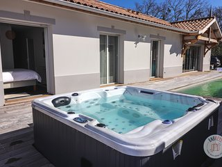 Recently built villa with swimming pool and Jacuzzi close to Arcachon