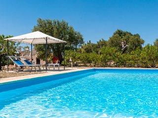 Trulli Acquario Complex: Trulli complex with private pool