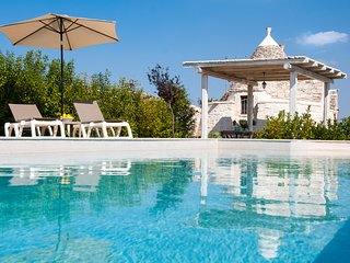 Trullo di Bacco: Peaceful Countryside Trullo with Pool
