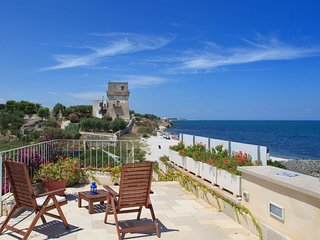 Trullo Fiore di Mare: Sea View Trulli Complex in Trani