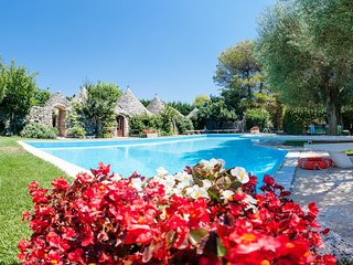 Trulli Country Golf: Luxury Trulli Complex with Pool & Golf Course