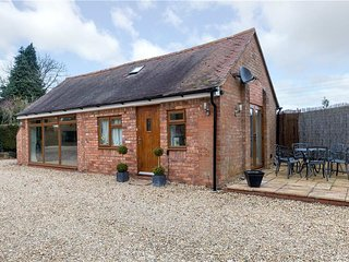 Arden Way Cottage lovely rural retreat near historic Henley in Arden Sleeps 2 +1
