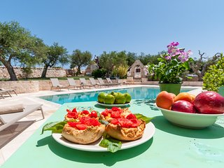 Trulli Vecchio Uliveto: Luxurious and Exclusive Trulli with pool