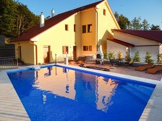 5 bedroom Villa in Oltari, Ličko-Senjska Županija, Croatia : ref 5585825