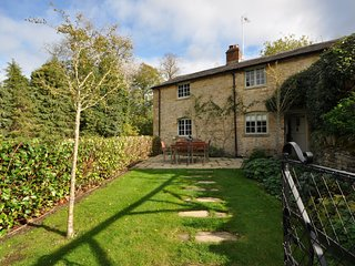 54522 Cottage situated in Stow-on-the-Wold (1.5 mls NE)