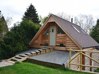 41827 Log Cabin situated in Bredon (4.5mls E)