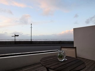 POINB Apartment situated in Westward Ho!