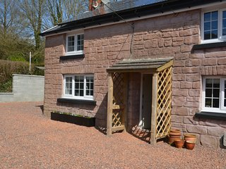 43406 Cottage situated in Kidwelly