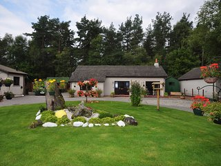 53278 Cottage situated in Loch Ness(12mls W)