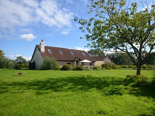 12509 House situated in Honiton (8mls NW)
