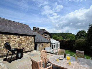 52094 House situated in Cromford (1.5mls SE)
