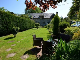 51353 Cottage situated in Bodmin Moor (4.5mls NE)