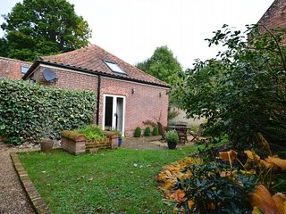 36880 Cottage situated in Wroxham (5mls N)