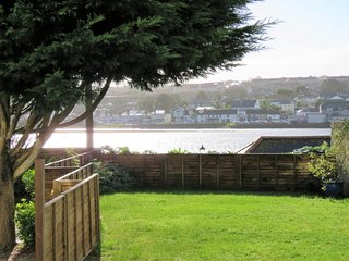 43256 Apartment situated in St Ives (3.5mls SE)
