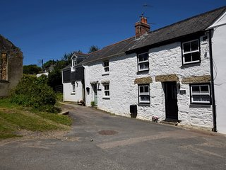 39993 Cottage situated in Marazion (3mls N)