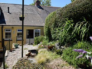 39993 Cottage situated in St Ives (4 mls S)