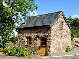 51916 Barn situated in Hay-on-Wye (9mls SE)