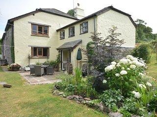 STOOP Cottage situated in Totnes (3mls N)