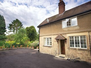 PK519 Cottage situated in Ashford in the Water