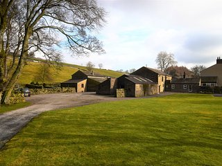 56587 Barn situated in Askrigg (2.5 mls W)
