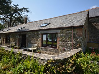 43126 Cottage situated in Looe (2mls NE )