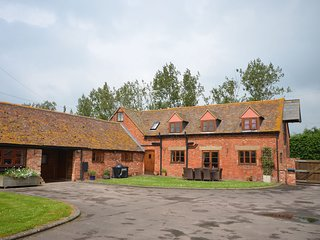 41216 Barn situated in Cheltenham (7mls NW)
