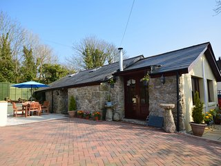 PARLE Barn situated in Fowey (7.5mls NW)