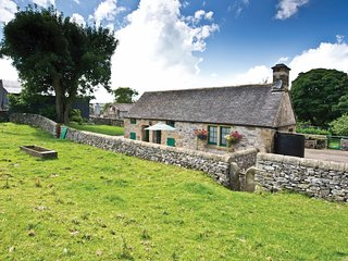 PK763 Cottage situated in Hartington