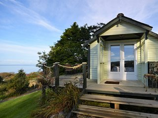 49461 Log Cabin situated in Aberdovey (8.5mls N)