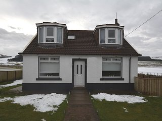 56864 Cottage situated in Biggar (7.5mls SW)