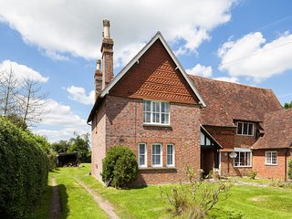 BT105 Cottage situated in Biddenden