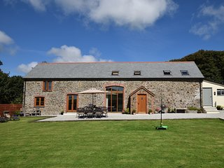 FORDA Barn situated in Bude (9mls NE)