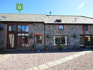 DOCOM Barn situated in Hartland (3mls S)